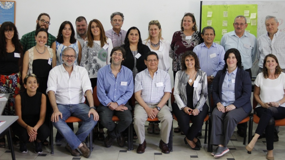 IECS Policy mosquito Grupal marzo 2018